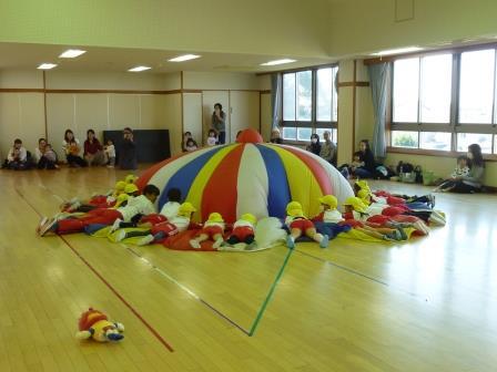 第11回こひつじチャイルドクラブ(子育て支援事業=親子教室・園庭開放)を開催!!(11月9日・木)