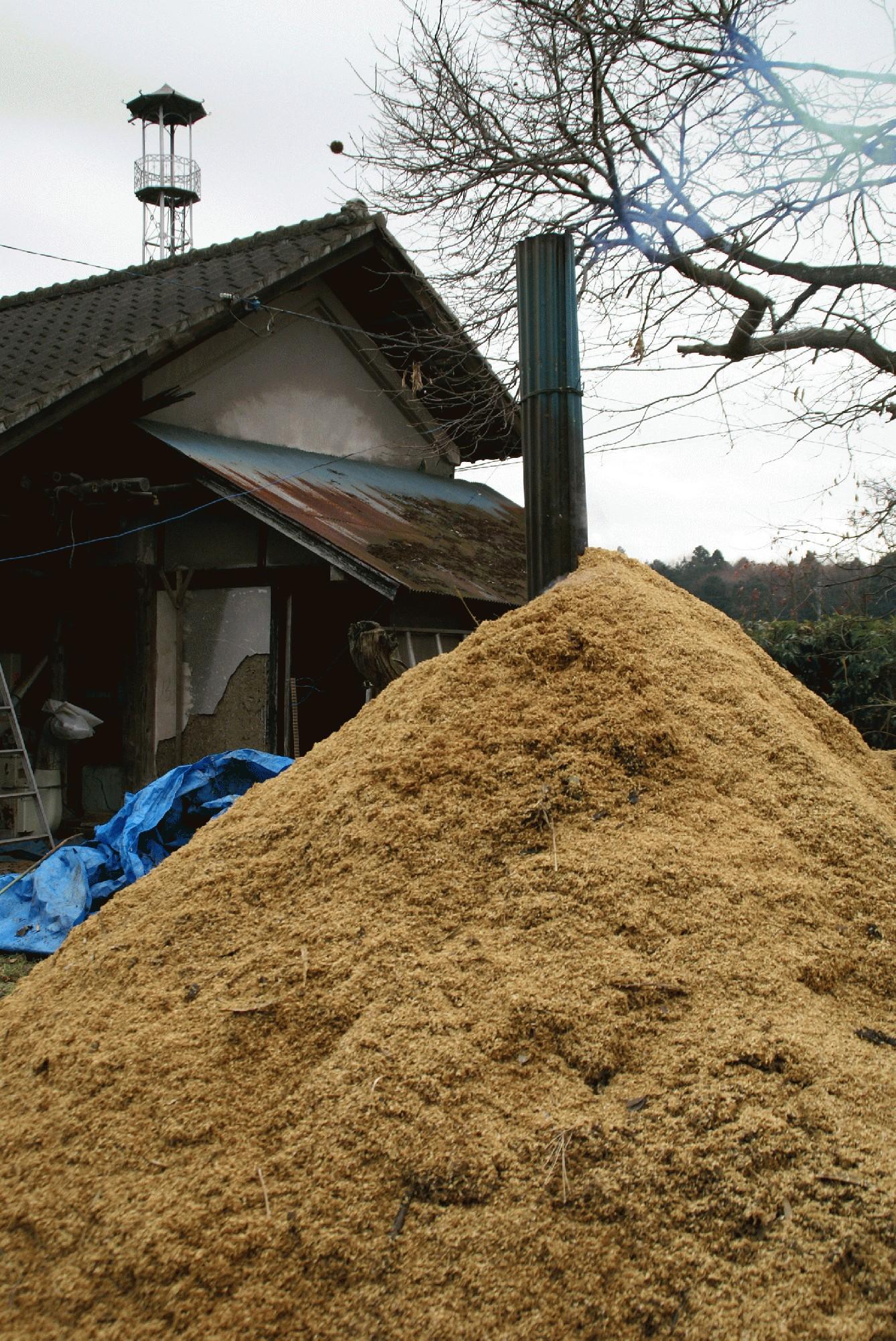 くん炭焼成の農作業について。