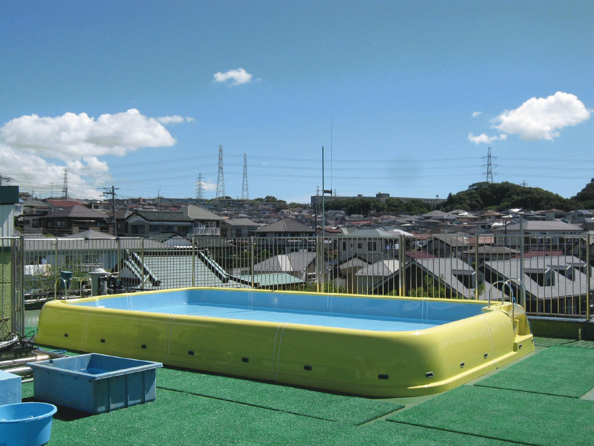 屋上大型プールを新しくしました!(^^)!